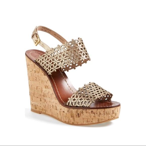 a81fd4e2398a Tory Burch Daisy Shimmer Gold Wedge Sandals. M 5a51c12ca4c485e42a046ceb
